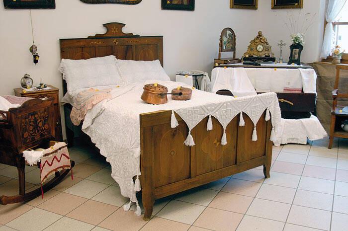 Case del passato immagini territorio comune di for Case kit 1 camera da letto